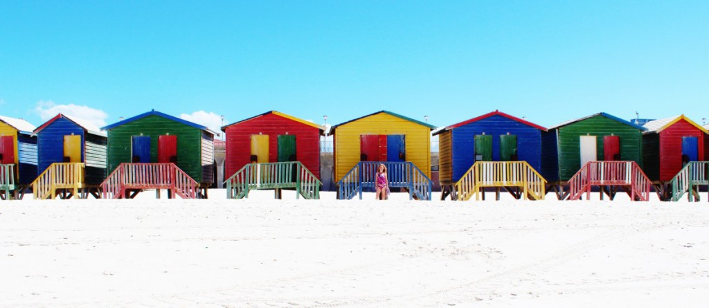 beach_muizenberg_cape_town_indian_ocean_cabins_colorful-909259